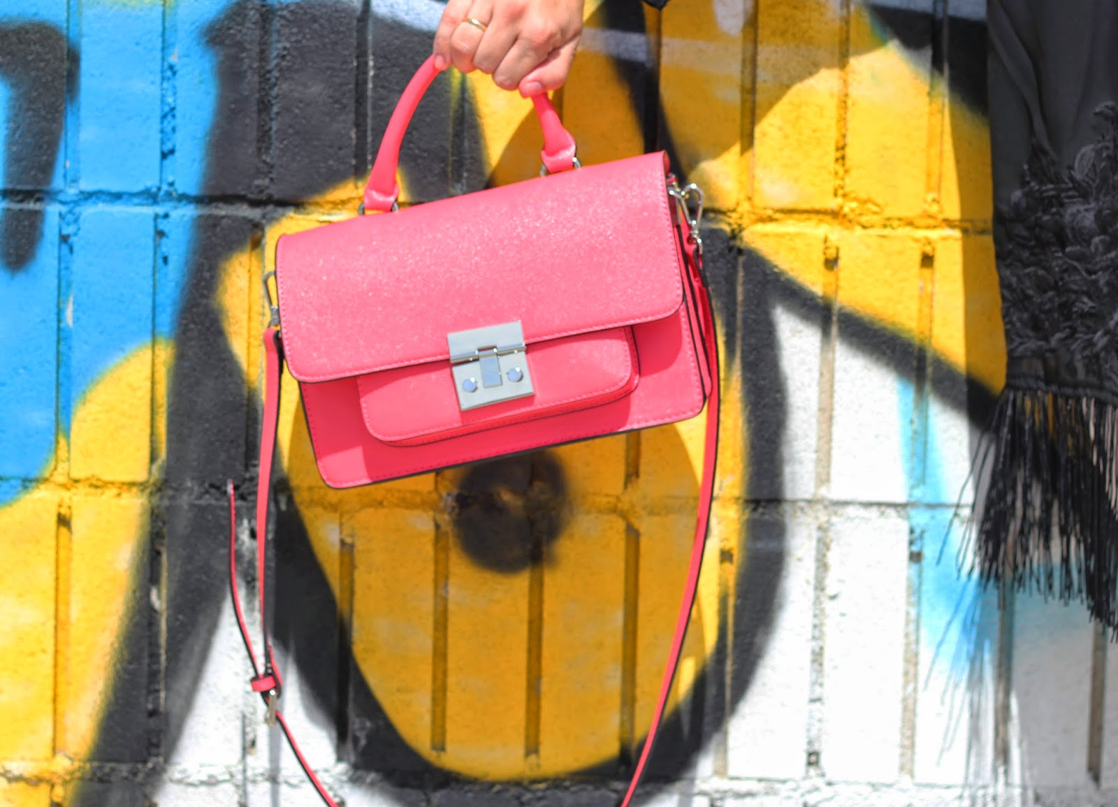 photo-look-street_style-bolso_coral_zara