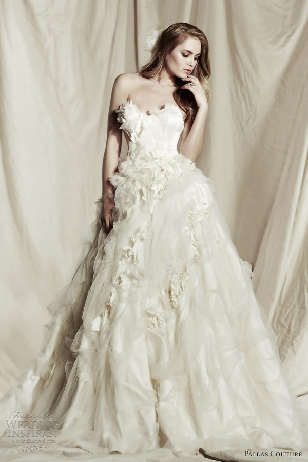 Ok wedding gallery pallas couture wedding dresses 2013 2014 for Nature inspired wedding dresses