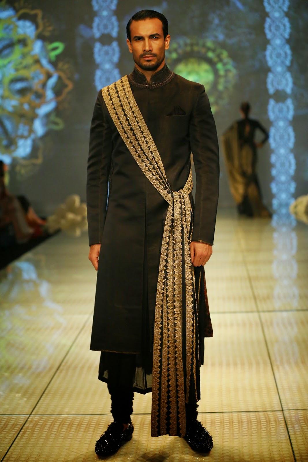 Indian fashion designer tarun tahiliani 82