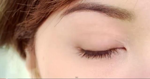 Michelle Phan - Cách dùng bút mắt nước