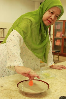 Prof. Iman Rahayu, Guru Besar Tetap Fapet IPB