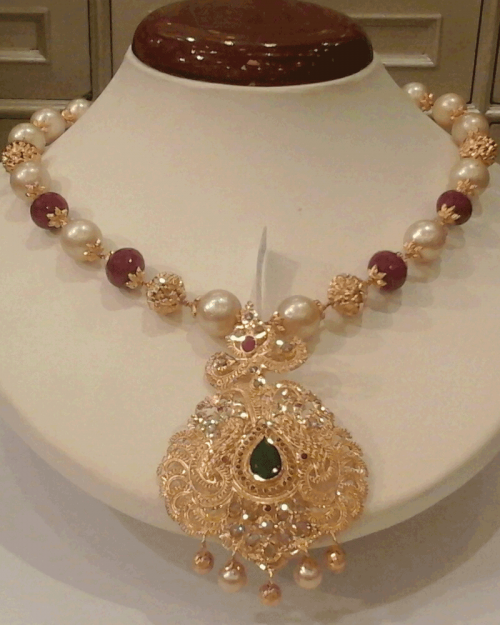 Jewellery Designs 22 Kt South Sea Pearls Gold Ball Chain