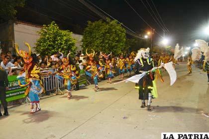 Diablada Artística Urus mostró la grandeza del Carnaval de Oruro en Yacuiba