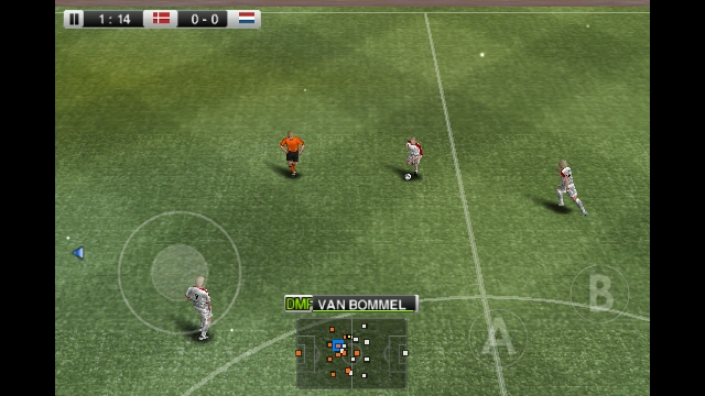 captura del juego symbian s^3 pro evolution soccer 2011