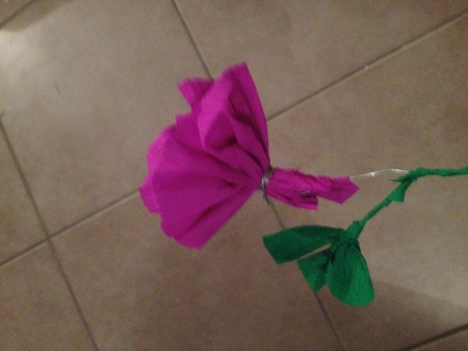 Les diy de fishounette fleur en papier cr pon - Fleur en crepon ...