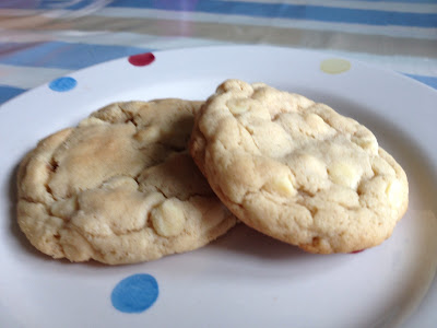 Thrifty Gift Idea: White Chocolate Cookies