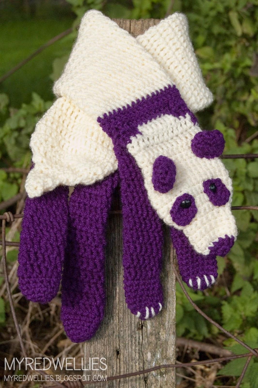 My Red Wellies: Purple Panda Scarf, a start on christmas.