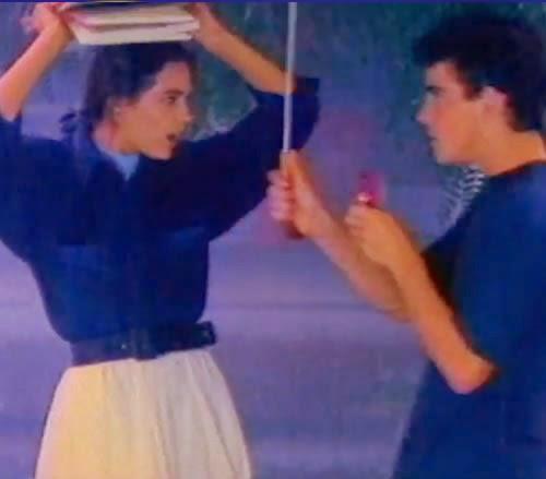Propaganda do chocolate Sonho de Valsa (Lacta) em 1990: paixão de um aluno pela professora.