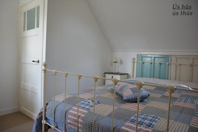 Schuine Wanden : inrichting slaapkamer met schuine wanden : Slaapkamer ...
