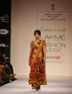 Actress Shriya Saran On The Ramp in a Saree at Lakme Fashion Week Winter Festive 2014  25.jpg
