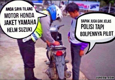 Foto Meme Kocak Polisi tapi pulpen pilot?