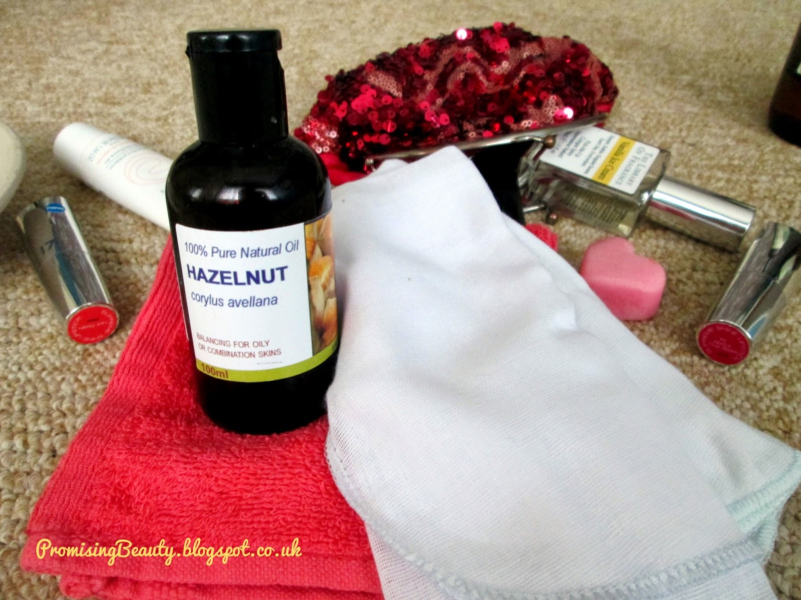 Hazelnut oil, face cloth and muslin cloth. Oil Cleansing method