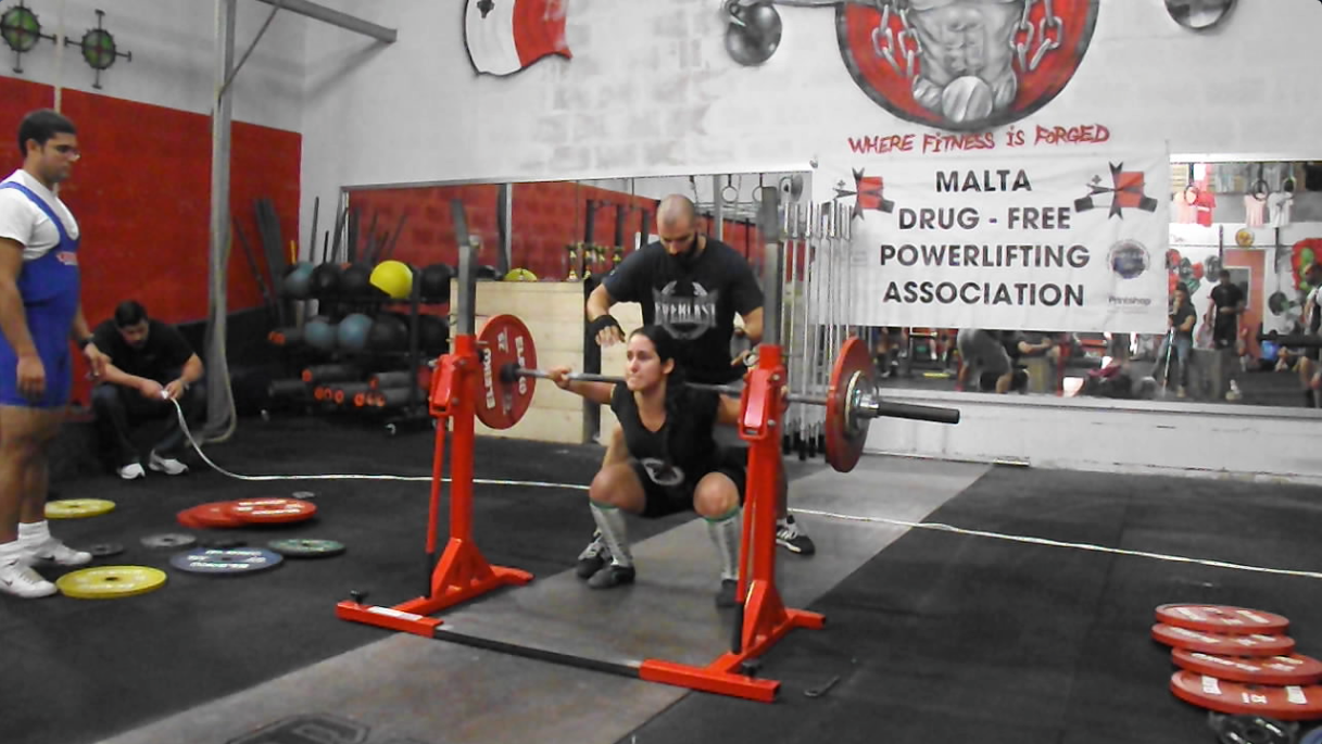 Long live the king malta powerlifting fabiana bermudez squats 875kg in perfect form falaconquin