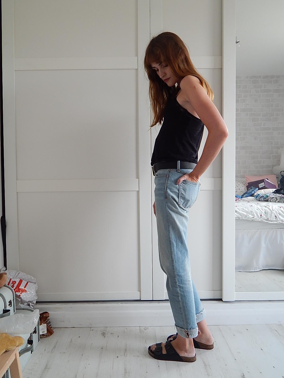 boyfriend jeans and birkenstocks