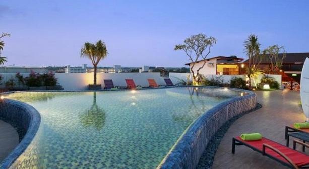 Letak Hotel Ini Tidak Jauh Dari Huu Bar 02km Sarong Restaurant 03km Dan La Lucciola 09km Selain Itu Disediakan Juga Berbagai
