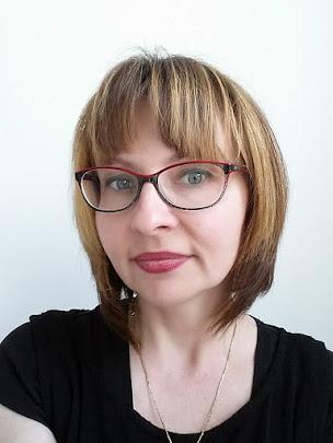 Mam na imię Ewa i witam na moim blogu :-)