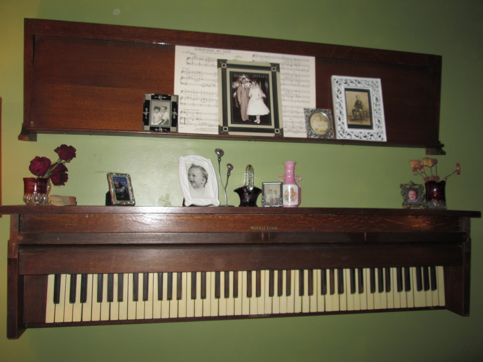 and kitty makes three piano shelf and hammer bird. Black Bedroom Furniture Sets. Home Design Ideas