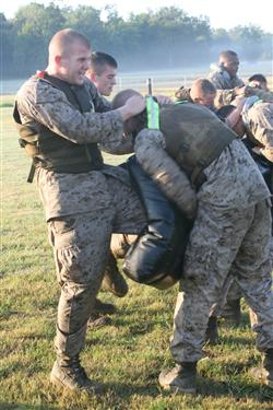 US Marine Corps - Close Combat Manual: Final Step to becoming ...