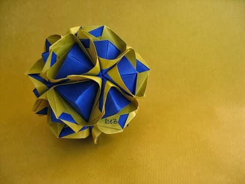 Tertarik Untuk Menjadikan Origami Kusudama Menjadi Salah Satu Dekorasi