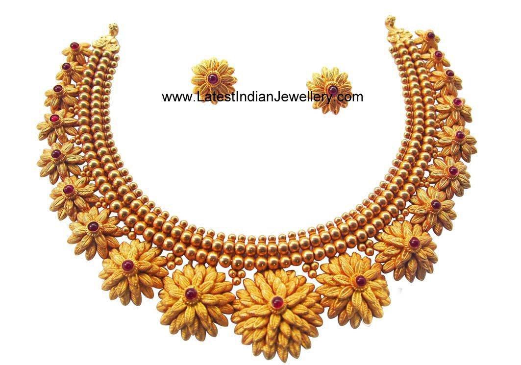 Handcrafted Gold Floral Necklace Set