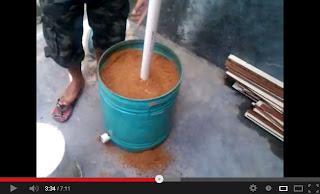 Video proses pembuatan alat pemanas ternak ayam dari serbuk gergaji