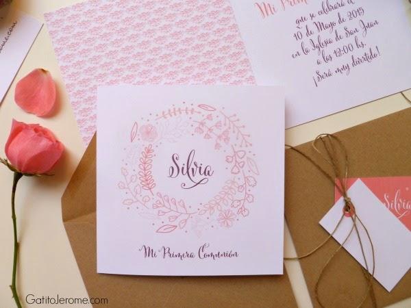 Invitación para comunión caligrafía elegante y flores
