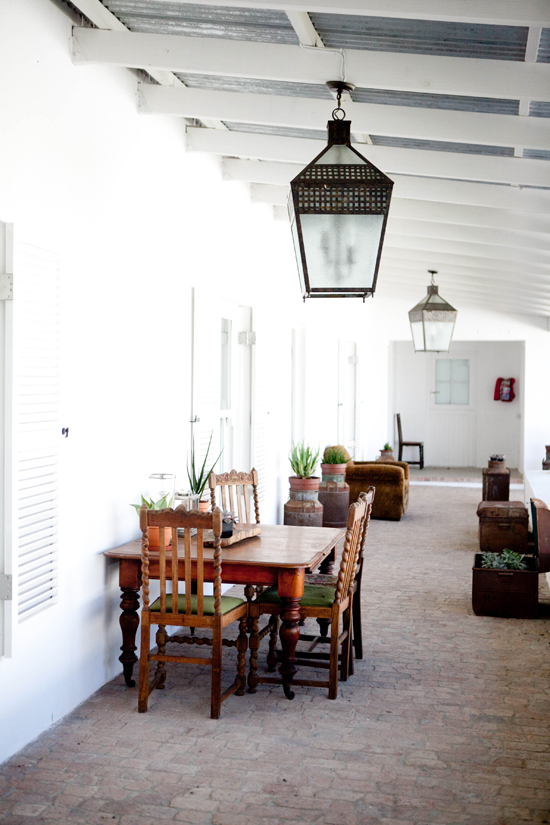 Safari Fusion blog | Outdoor living | Simple wine farm style at Edge House at Hawksmoor Stellenbosch, South Africa