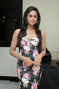 Karthika Nair latest photo shoot-thumbnail-3