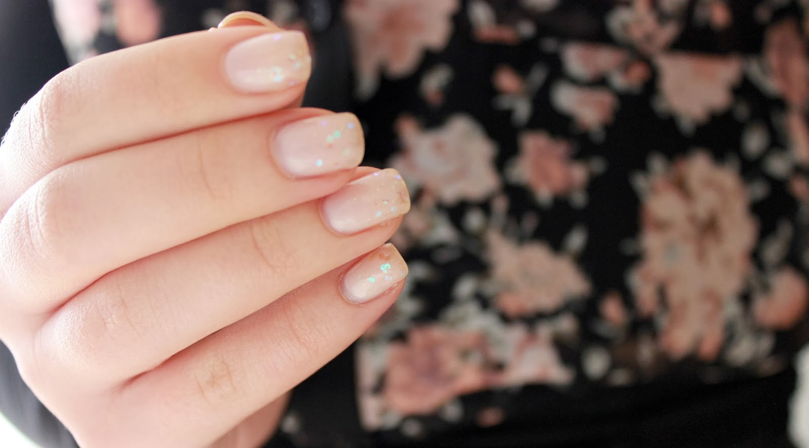 Nude and glitters nails
