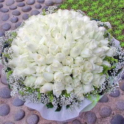 Bunch of White Roses' title=