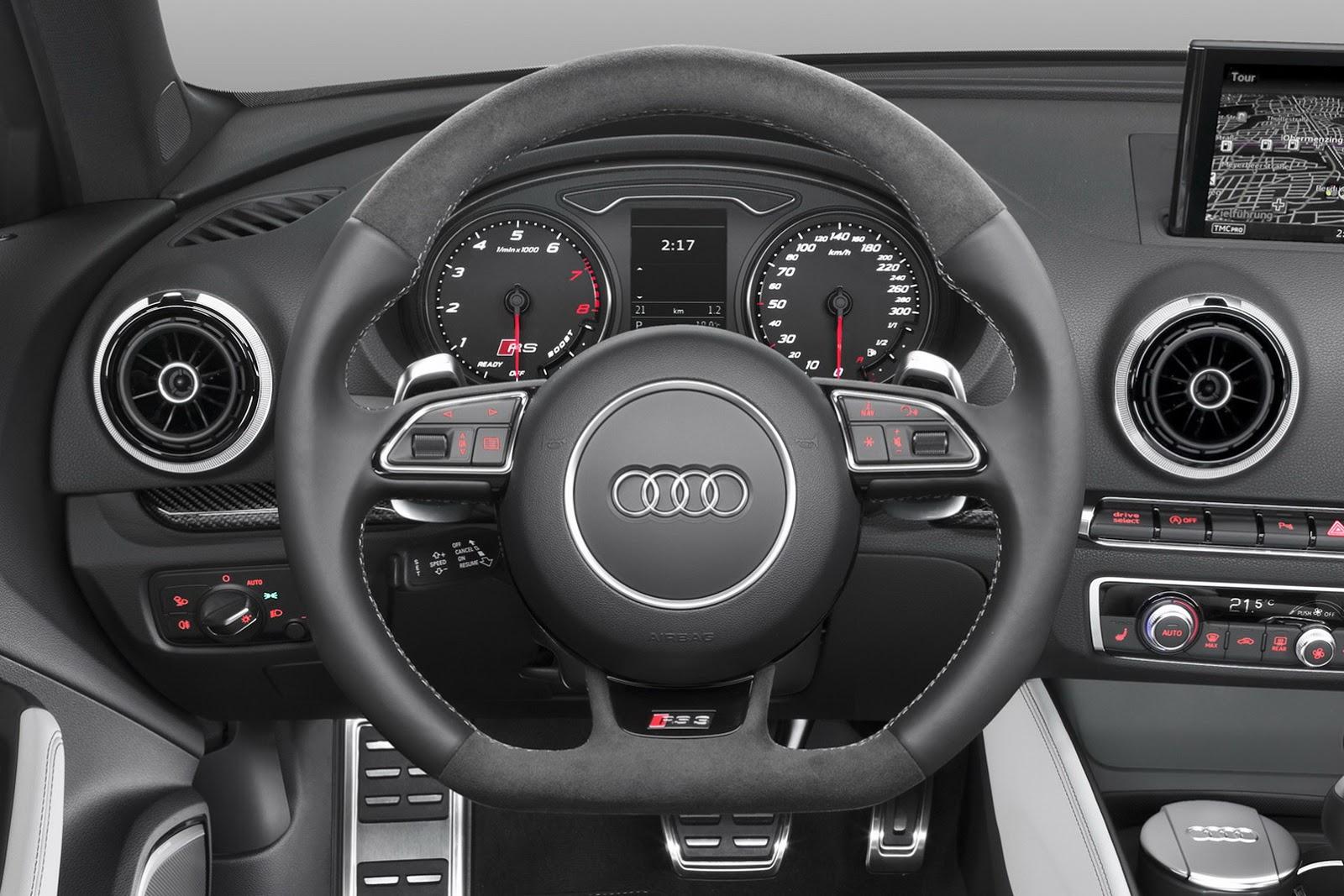 Руль Audi RS3 Sportback 2015 года
