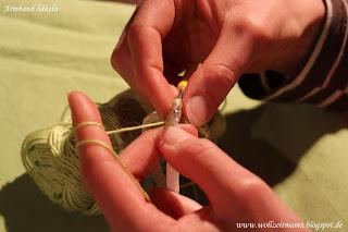 Häkeln : Armband mit Rose - Geschenk für kleine und große Prinzessinnen; mit kostenloser Anleitung