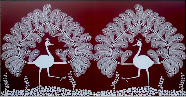 Peacock wall decal for outdoor decor