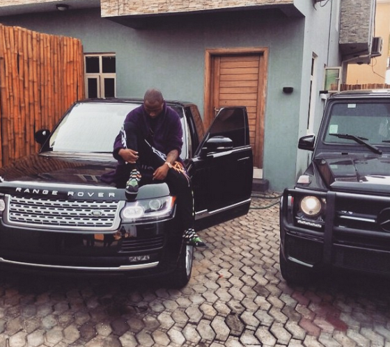 Davido Flaunts His Range Rover And G-Wagon 1