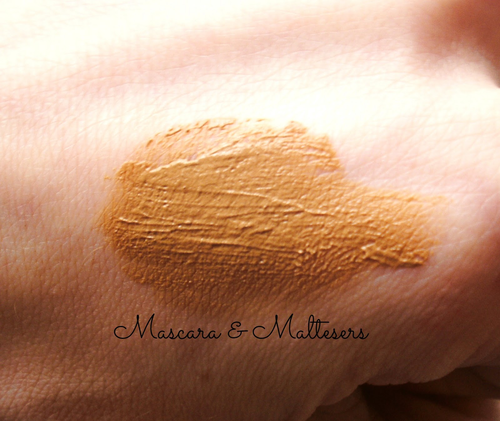 Bourjois Paris Bronzing Primer Swatch
