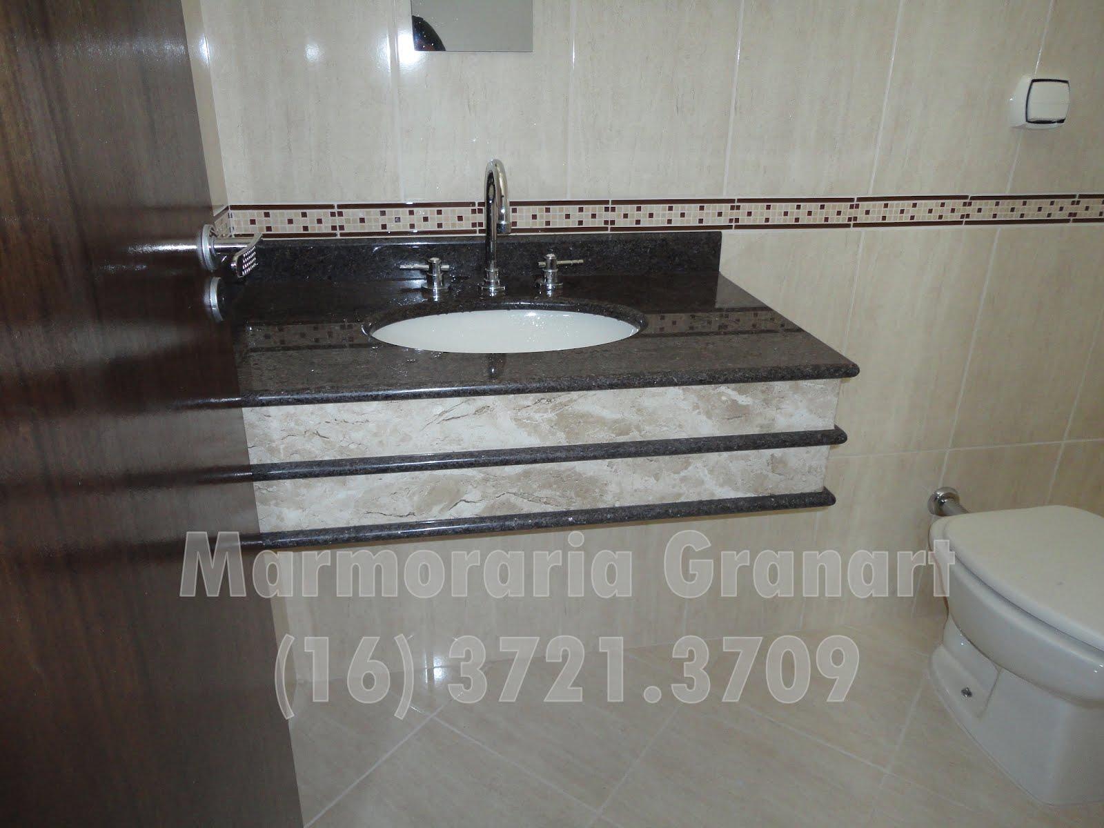 Marmoraria Granart: Bancada em granito com detalhes nas saias em  #58504A 1600x1200 Banheiro Bancada Granito