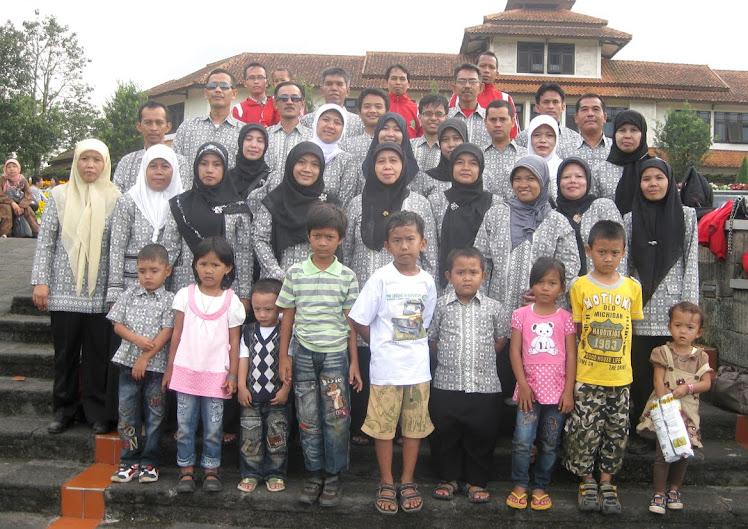 Keluarga Besar MTs Negeri Ciranjang