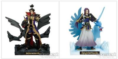 Nobunaga+Zekrom figure, Mitsuhide+Articuno figure