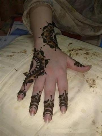 designs of mehndi for hands