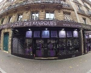 La mode à prix cassés chez La Clé des Marques Paris