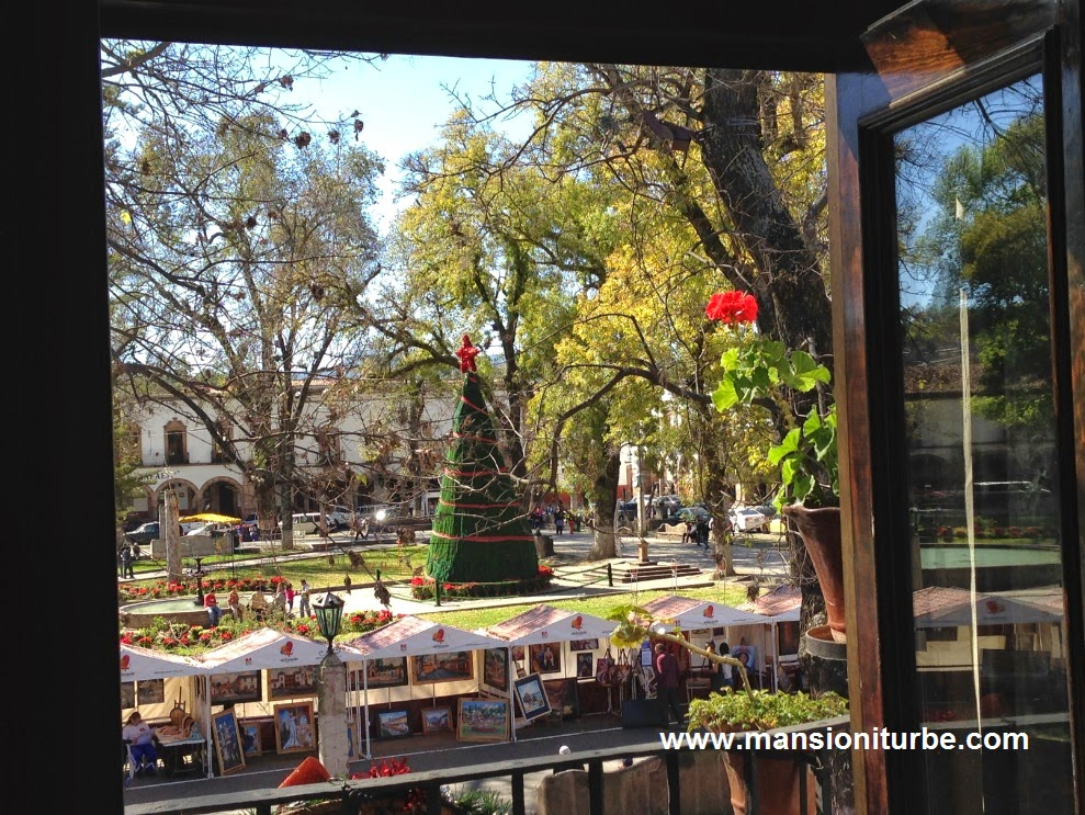 Plaza Vasco de Quiroga in Pátzcuaro from our balconies at Mansión Iturbe