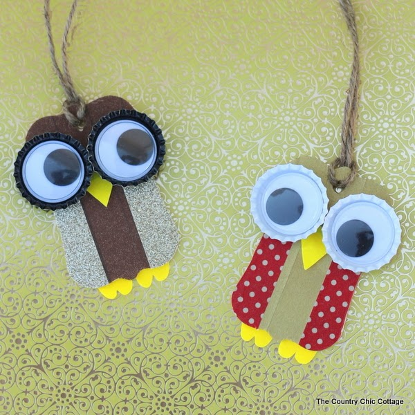 Washi Tape Owl Ornaments -- make these quick and easy owl Christmas ornaments with just a few supplies.
