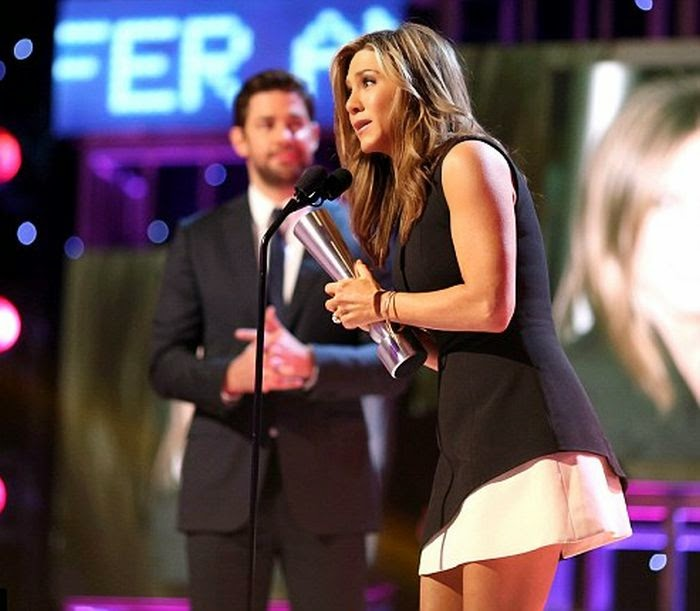 The actress once again blown us of the stratosphere with her art on People Magazine Awards at Beverly Hills, CA, USA on Thursday, December 18, 2014.