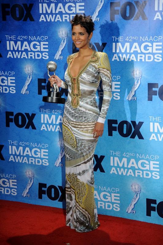 Halle-Berry-42nd-NAACP-Image-Awards-hot-actress
