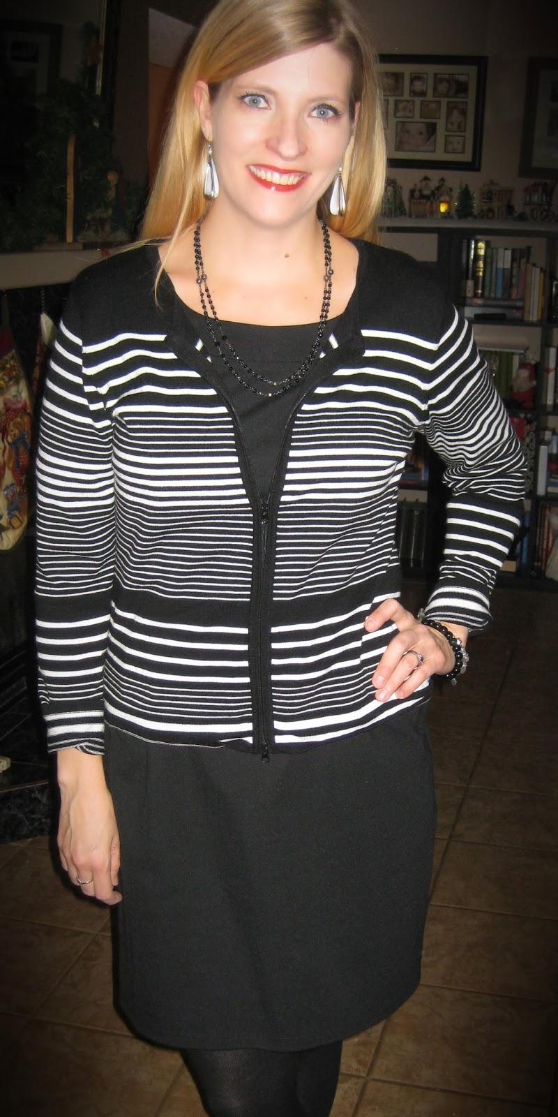 http://vvboutiquestyle.blogspot.ca/2013/12/30-degrees-dressember.html