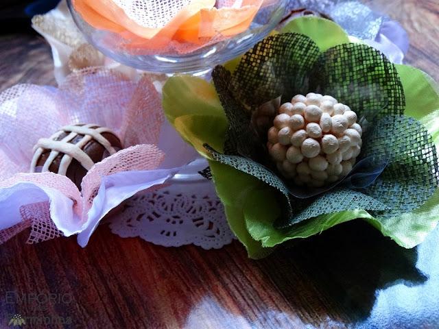 Forminhas camélia de tecido cetim e tela escócia