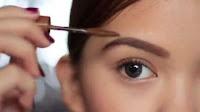 Tips Memilih Pensil Alis yang Pas Dengan Warna Rambut