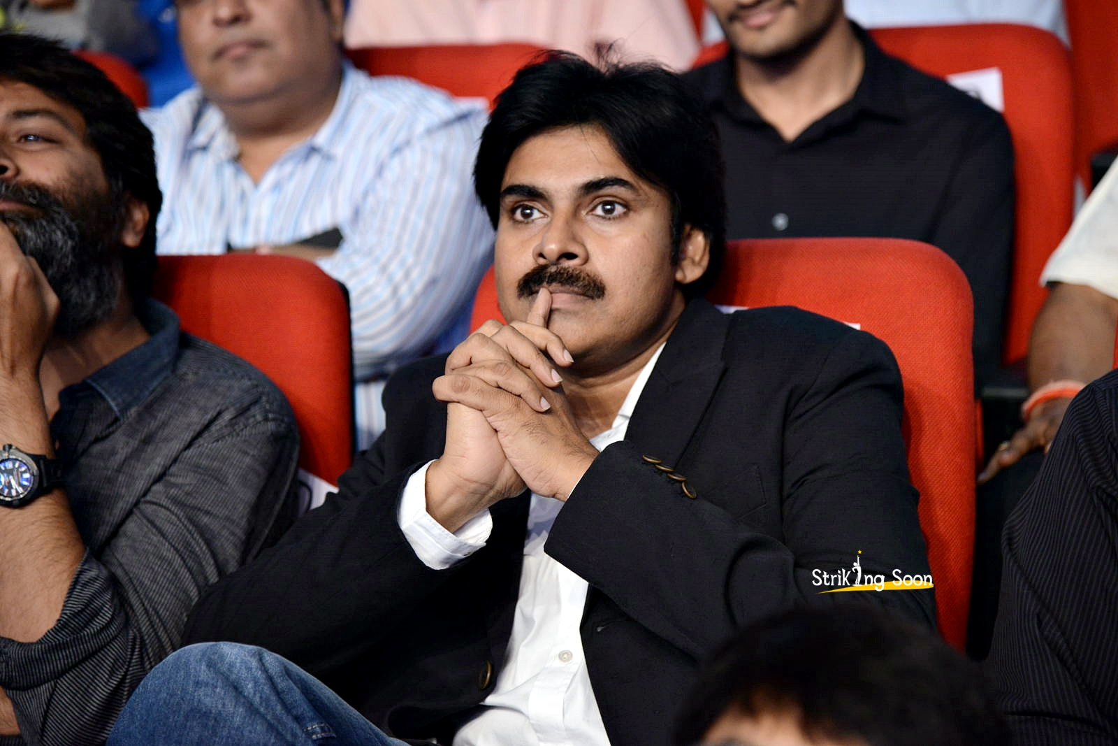 strikingsoon: pawan kalyan photos at attarintiki daredi audio launch
