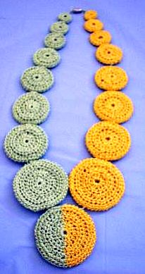 crochet cirle necklace
