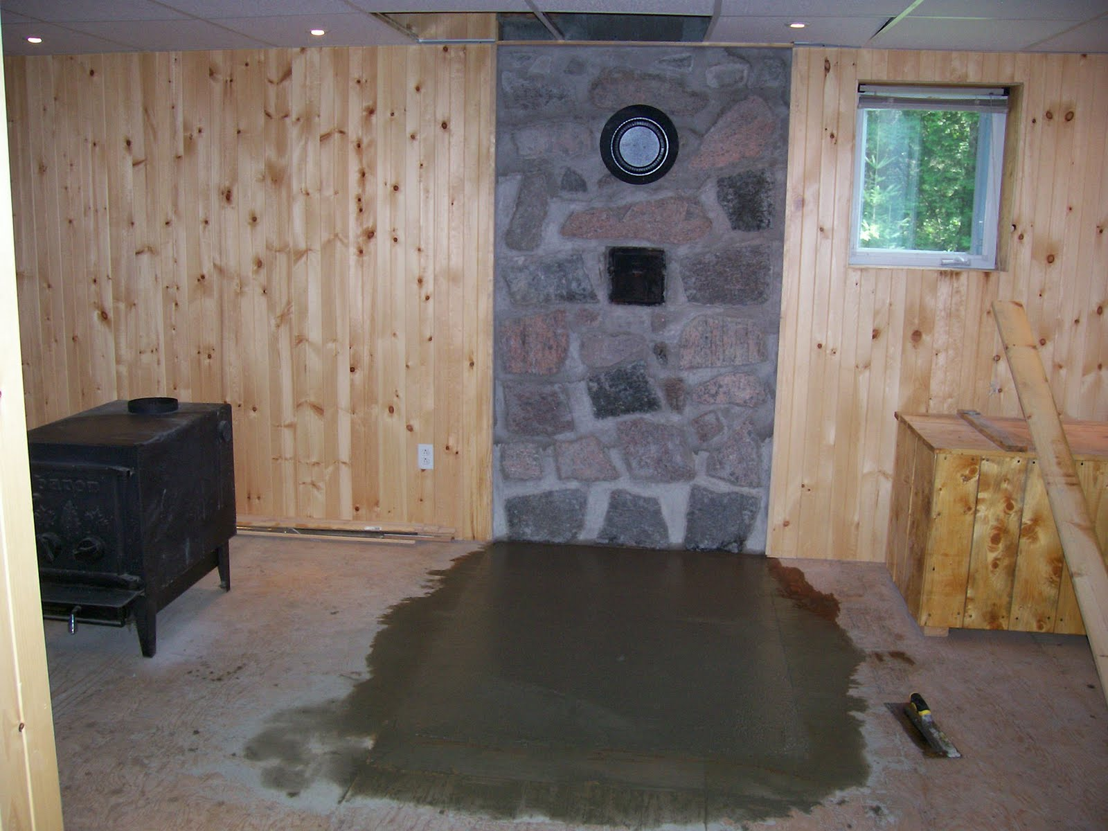 as tu du feu non mais j 39 ai du beurre de peanut finition du sous sol mur de pierres et. Black Bedroom Furniture Sets. Home Design Ideas